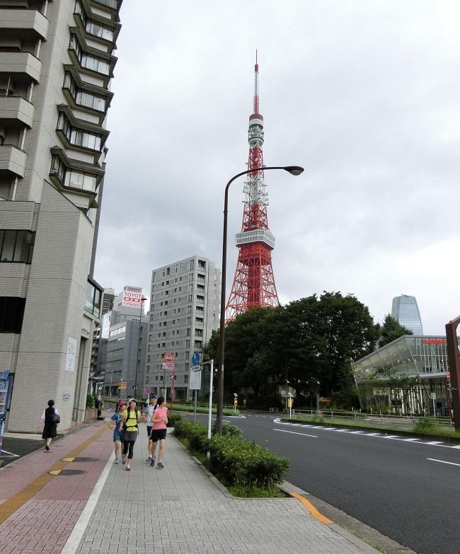 スタート直後。東京タワーが近い!